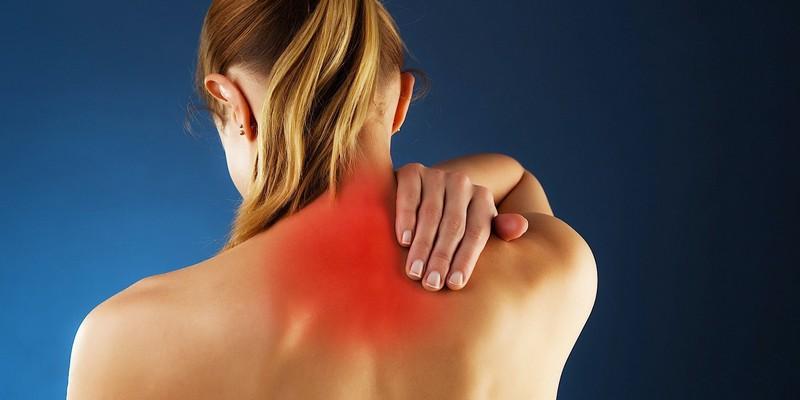 Болит от шеи до плеча около позвоночника