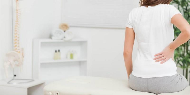 Болит низ живота и поясница при воспалительных, гиперпластических заболевания, месячных и во время беременности