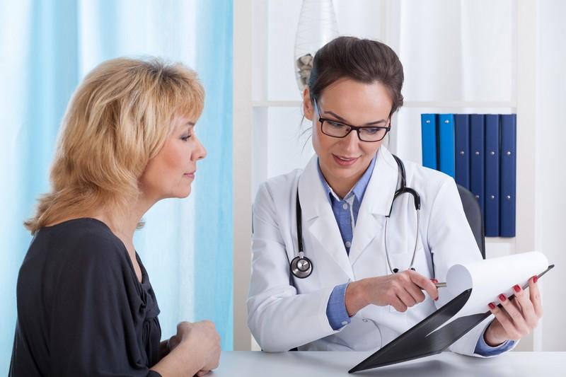к каким врачам обращаться при болях во время месячных