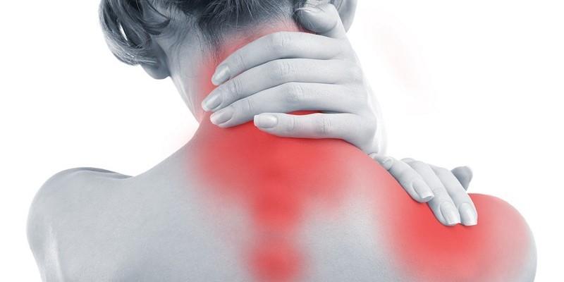 Острая боль в шее и позвоночнике