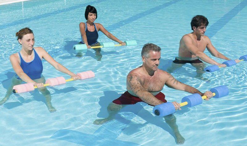 как плавать при грыже