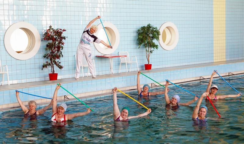Плавать при остеохондрозе