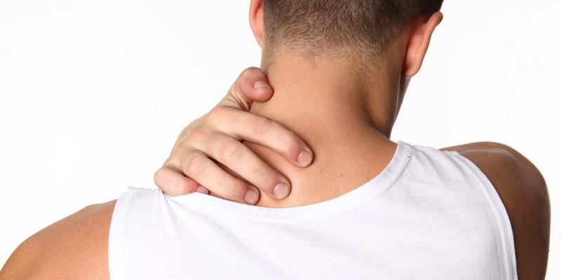 Напряжение мышц шеи