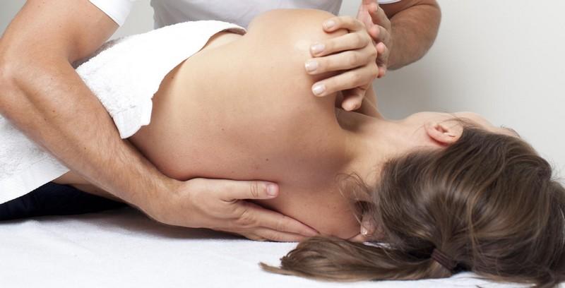 Мануальная терапия при сколиозе: 1, 2, 3 степени, техника и приёмы