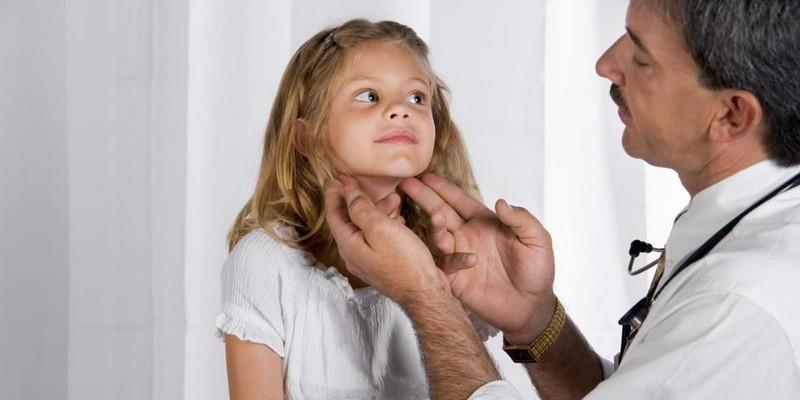 Последствия симптомы и лечение подвывиха шейных позвонков у взрослых и детей