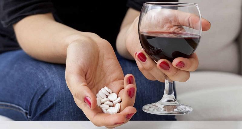 Почему нельзя пить алкоголь с антидепрессантами
