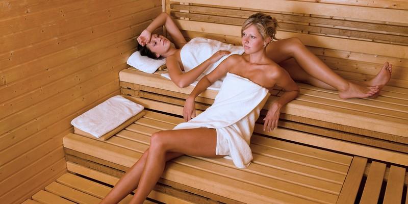 Можно ли при боли в пояснице париться в бане