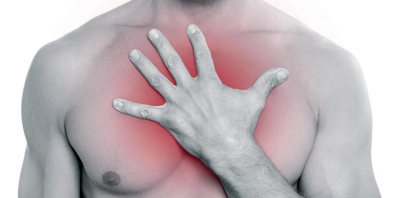 Боль в груди при остеохондрозе: причины, лечение, народные средства