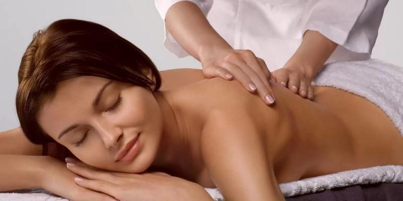 болит желудок после массажа спины
