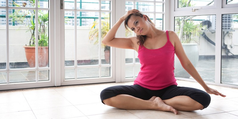 Как вытягивать шею при остеохондрозе в домашних условиях