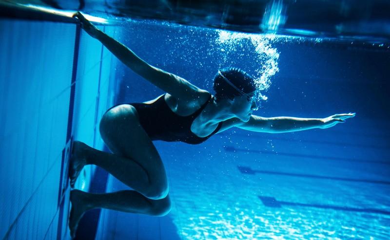 как правильно плавать при грыжах и остеохондрозе