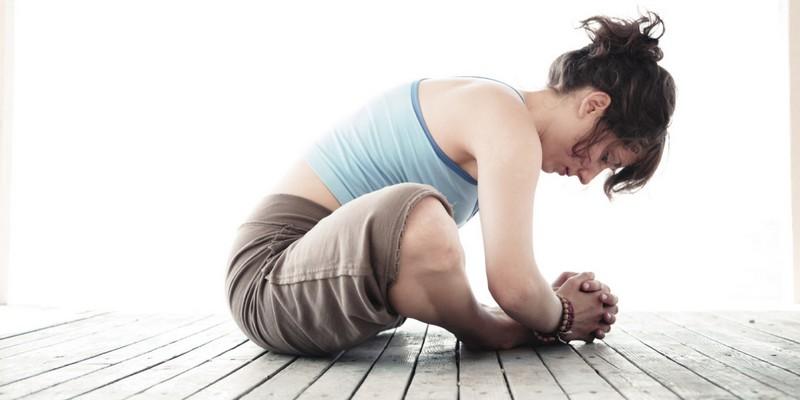 Как выполняются упражнения при грыже грудного отдела позвоночника?