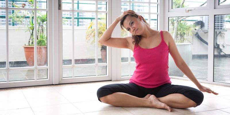 Как выполняются упражнения при грыже шейного отдела позвоночника?