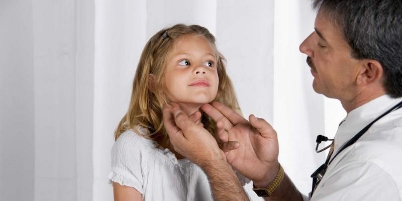 Шейный миозит у детей: причины, симптомы, лечение